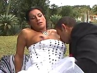 Shemale bride ready to put in action her sword of passion right outdoors
